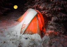 Couvert de tente de neige Photos libres de droits