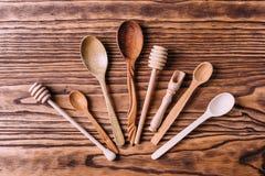 Couverts faits de bois pour des épices et la cuisson Photo stock