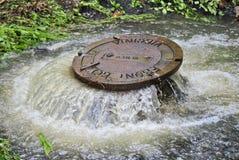 Couverture de trou d'homme d'inondation Photos stock
