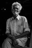 Couverture ou vendeur locale de vêtements dans l'Inde Photographie stock libre de droits
