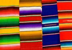 Couvertures mexicaines colorées Photo stock