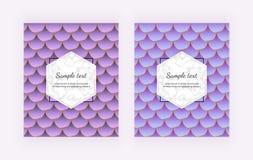 Couvertures modernes avec des échelles de sirène Queue bleue et violette de sirène avec la texture de marbre et les lignes d'or M illustration stock