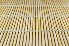 Couvre-tapis en bambou de sushi Photographie stock libre de droits
