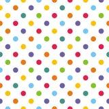 Couvrez de tuiles le modèle de vecteur avec les points de polka en pastel sur le fond blanc Photographie stock