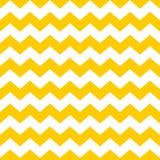 Couvrez de tuiles le modèle de vecteur de chevron avec le fond jaune et blanc de zigzag Image stock