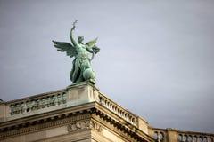 Couvrez la sculpture supérieure au palais de Hofburg, Vienne Photos libres de droits