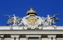 Couvrez la sculpture supérieure au palais de Hofburg, Vienne Photographie stock libre de droits