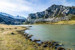 Covadonga jeziora, Picos De Europa Hiszpanii asturii Obrazy Stock