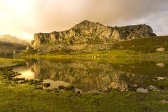 covadonga lakes arkivfoto