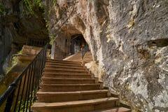 Covadonga Santa Cave een Katholiek heiligdom Asturias stock afbeelding