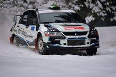 COVASNA, RUMÄNIEN - 16. Januar: Die unbekannten Piloten, die im Winter konkurrieren, sammeln Covasna 2016 Lizenzfreie Stockfotografie