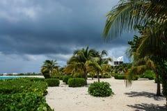 Covecastles kurort, tłumu Podpalany zachód, Anguilla Obraz Stock