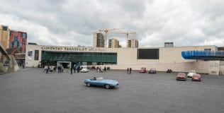 COVENTRY FÖRENADE KUNGARIKET - OKTOBER 13, 2017 - sikt av transportmuseet i milleniumstället, Coventry, West Midlands Arkivbilder