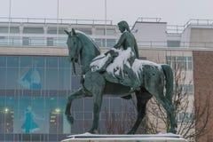 COVENTRY, INGHILTERRA, Regno Unito - 3 marzo 2018: Signora Godiva Statue a Broadgate nel centro urbano, Coventry, West Midlands immagini stock