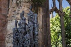 Coventry, Warwickshire, het UK, 27 Juni 2019, Koor van Overlevenden beeldhouwt bij de Kathedraalkerk van Heilige Michael royalty-vrije stock fotografie