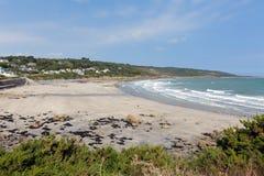 Coverack strand ödlan Cornwall England UK södra västra England på en solig sommar Arkivfoto
