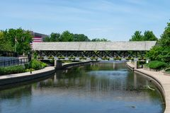 Free Covered Bridge Along The Naperville Riverwalk In Downtown Naperville Royalty Free Stock Photo - 157363065