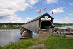 Covered bridge over river Royalty Free Stock Photos