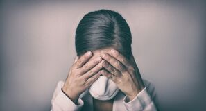 Free COVID-19 Stress Business Woman Crying Covering Face Mask With Hands Coronavirus Employment Recession Anxiety Royalty Free Stock Images - 182913899