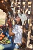 Cow-girl avec le cheval Photos stock