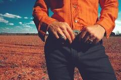 Cowboy auf dem Gebiet stockfotos