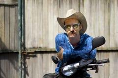 Cowboy auf Motorrad Lizenzfreies Stockbild