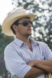 Cowboy het letten op Royalty-vrije Stock Afbeelding