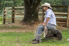 Cowboy het letten op stock fotografie