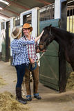 Cowboycowgirlpar Arkivfoto