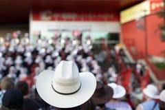 Cowboyhatt i fokus på den Calgary rusningen fotografering för bildbyråer