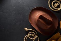 Cowboyhoed op houten achtergrond Stock Afbeelding