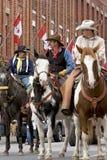Cowboys à cheval dans le défilé Images libres de droits