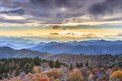 Cowee negligencia Ridge Parkway Western North Carolina azul Foto de Stock Royalty Free