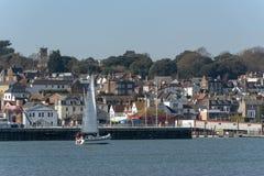 Cowes, wyspa Wight, Anglia, UK Miasteczko przegapia Rzecznego Medina fotografia royalty free