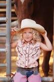 Cowgirl bastante joven. imagen de archivo libre de regalías