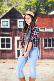 Cowgirl i vilda västern arkivfoto