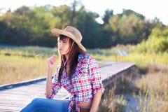 Cowgirl som är klar för rodeo Arkivbild