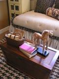 Cowgirl-themenorientiertes Schlafzimmer Stockbilder