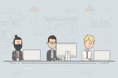 Coworkingscentrum Commerciële vergadering Team het werken Mensen die bij de computers in het open bureau werken royalty-vrije illustratie