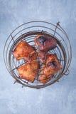 Coxas fumadas da galinha imagem de stock