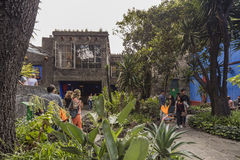 COYOACAN,墨西哥- 2016年10月28日:La住处Azul蓝色议院und庭院  免版税图库摄影