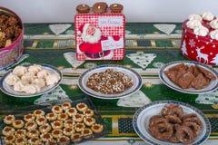 Coza cookies do Natal para a estação do Natal na padaria foto de stock