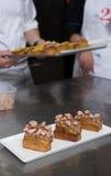 Cozendo e cozinhando o chocolate e desertos doces Imagens de Stock