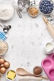 Cozimento branco que cozinha o fundo imagens de stock