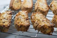Cozimento caseiro do cooke do biscotti da amêndoa fotografia de stock