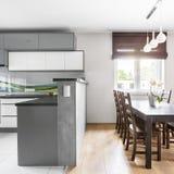 Cozinha aberta ao espaço para refeições Fotos de Stock