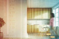 Cozinha branca, menina dianteira das bancadas de madeira Fotografia de Stock
