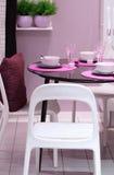 Cozinha cor-de-rosa fotografia de stock