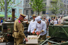Cozinha de campo militar do festival internacional Fotos de Stock