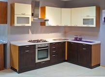 Cozinha de madeira vazia Imagens de Stock Royalty Free